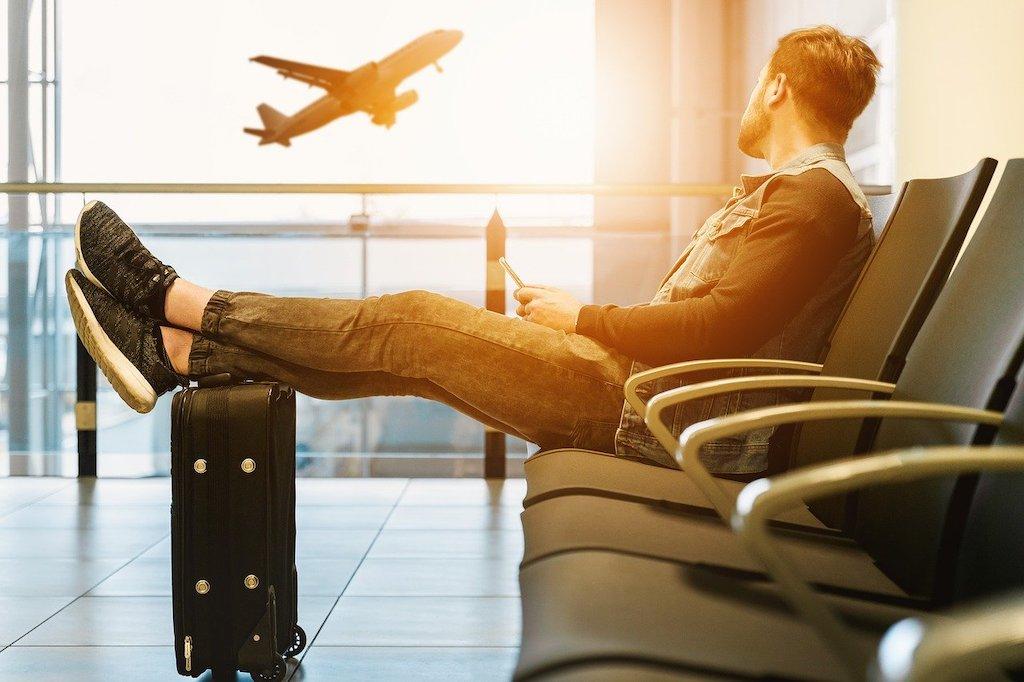 Jetting Off - Consejos para viajar al aeropuerto