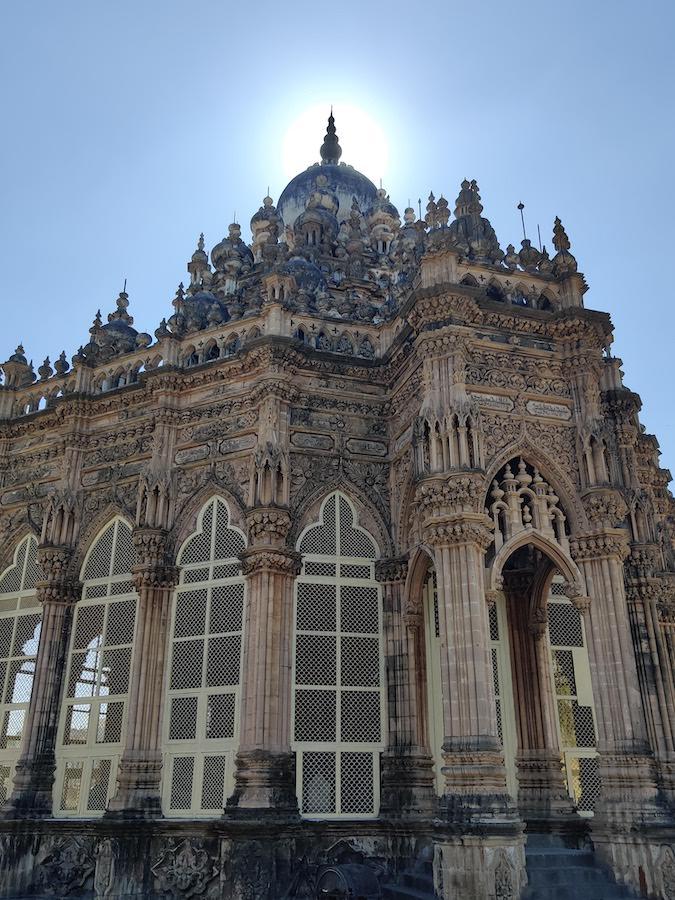 Templos del mausoleo de Mahabat