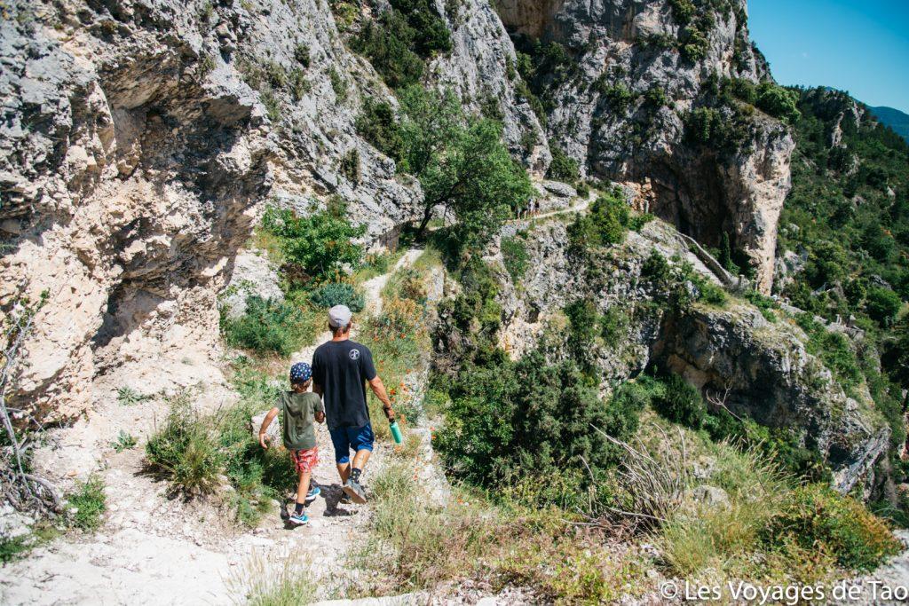 Moustiers Sainte Marie con la familia