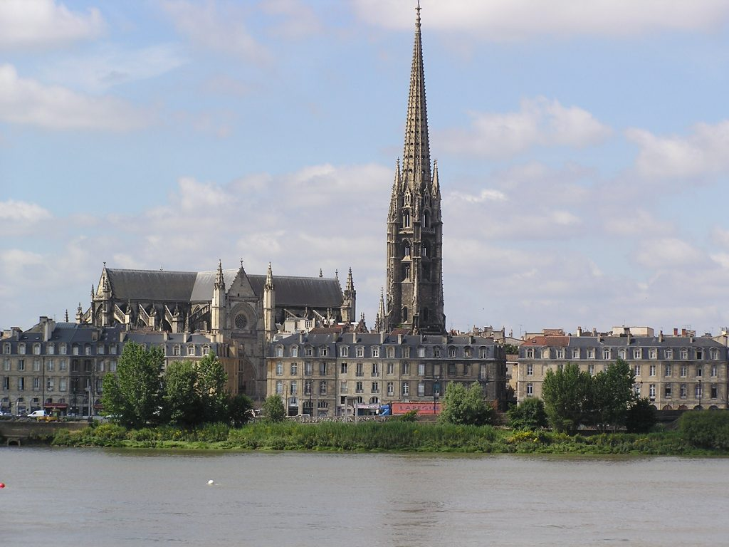 Basílica de Saint-Michel en Burdeos