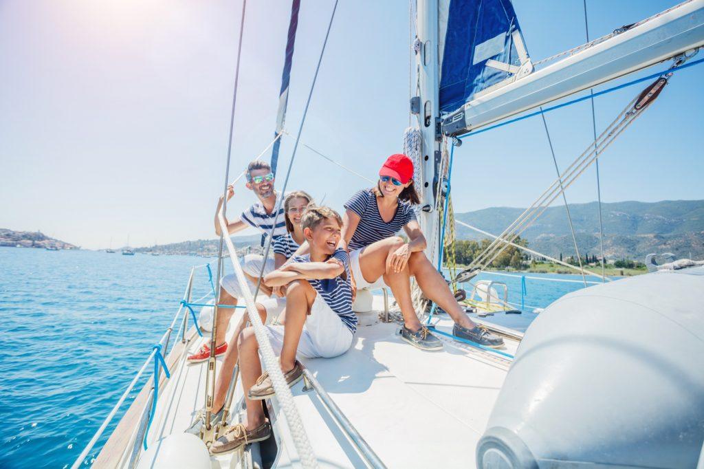 Una aventura en velero con tus hijos