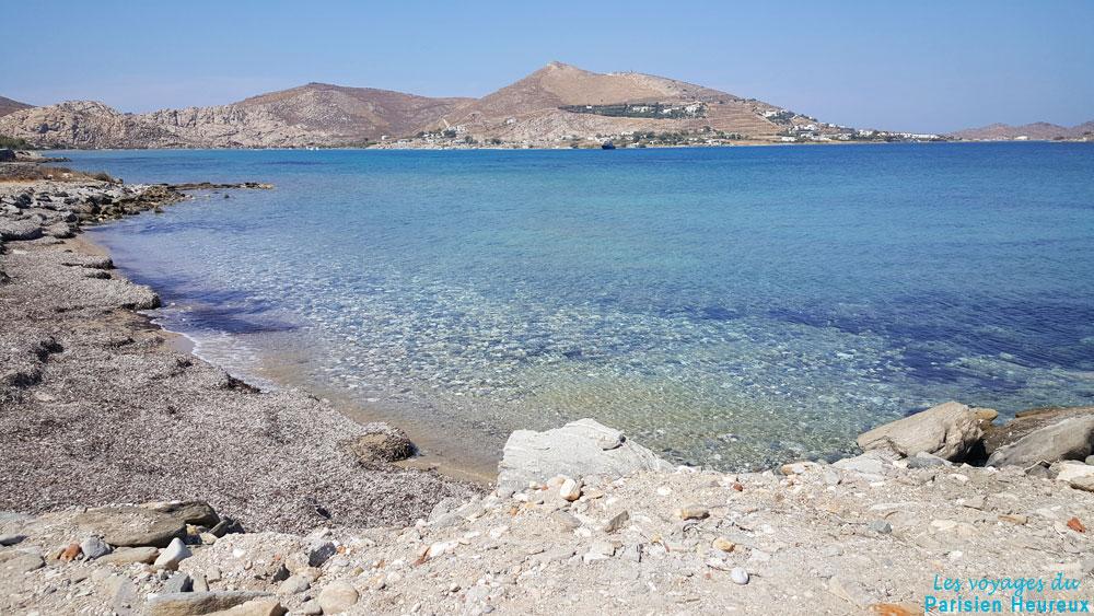 Una playa en la isla de Paros en Grecia