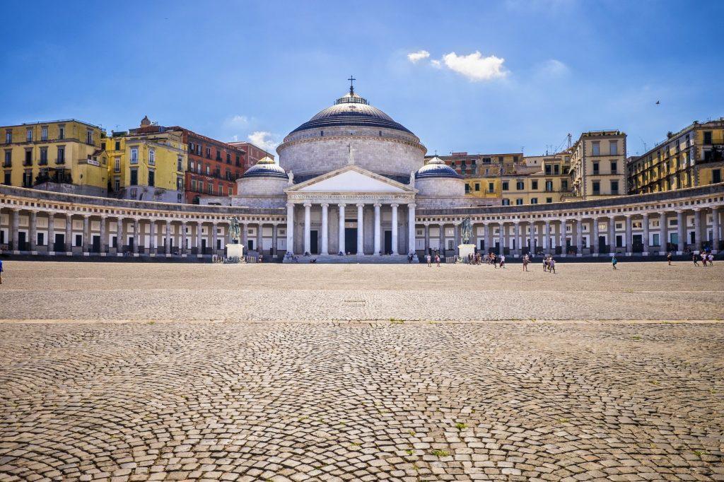 Piazza del Popolo Nápoles