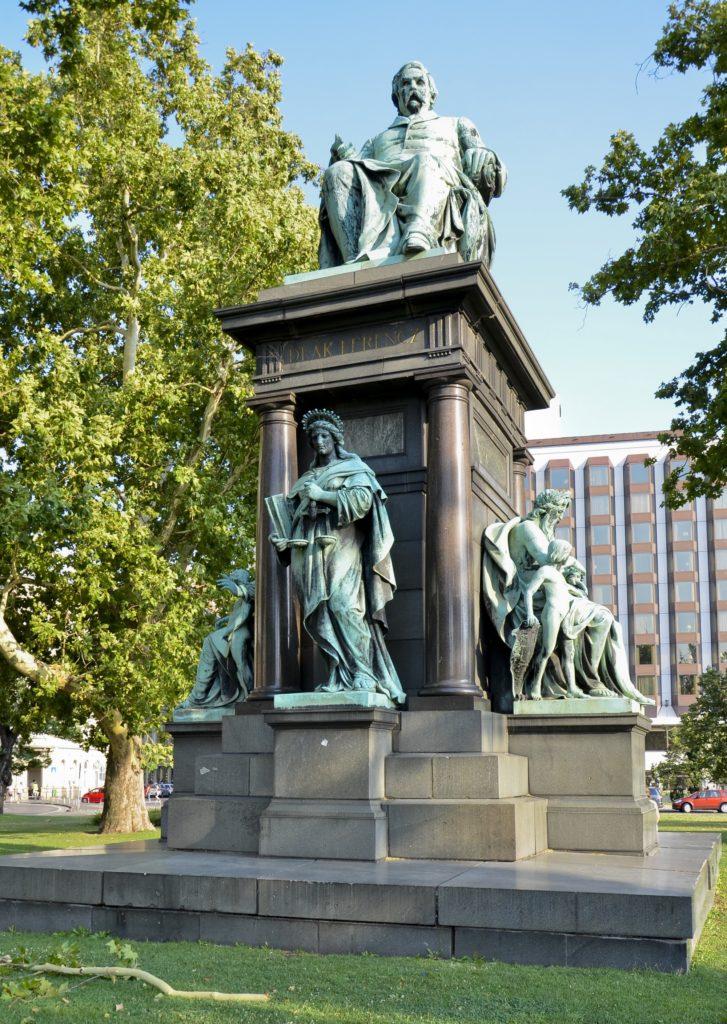 estatua de Budapest