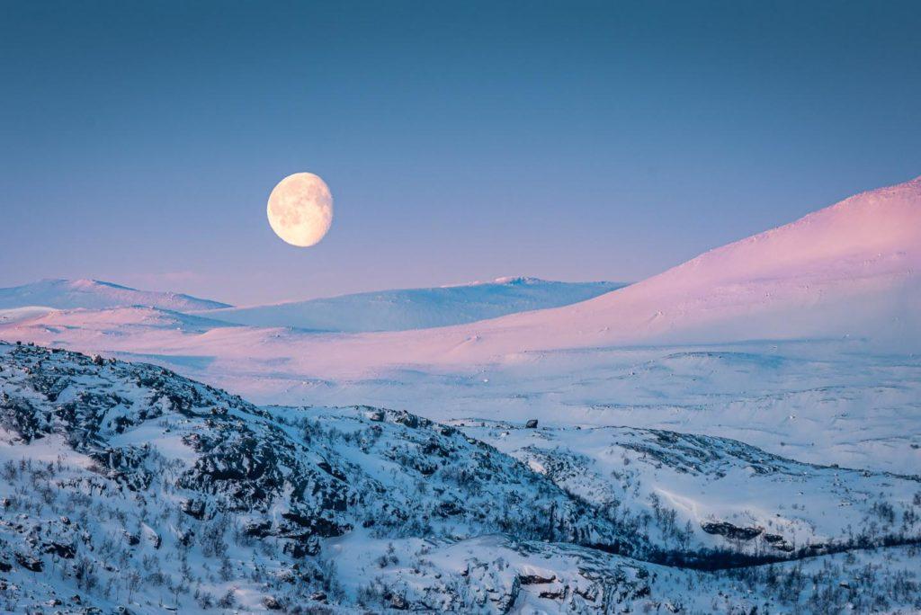 Laponia invierno suecia luna paisaje