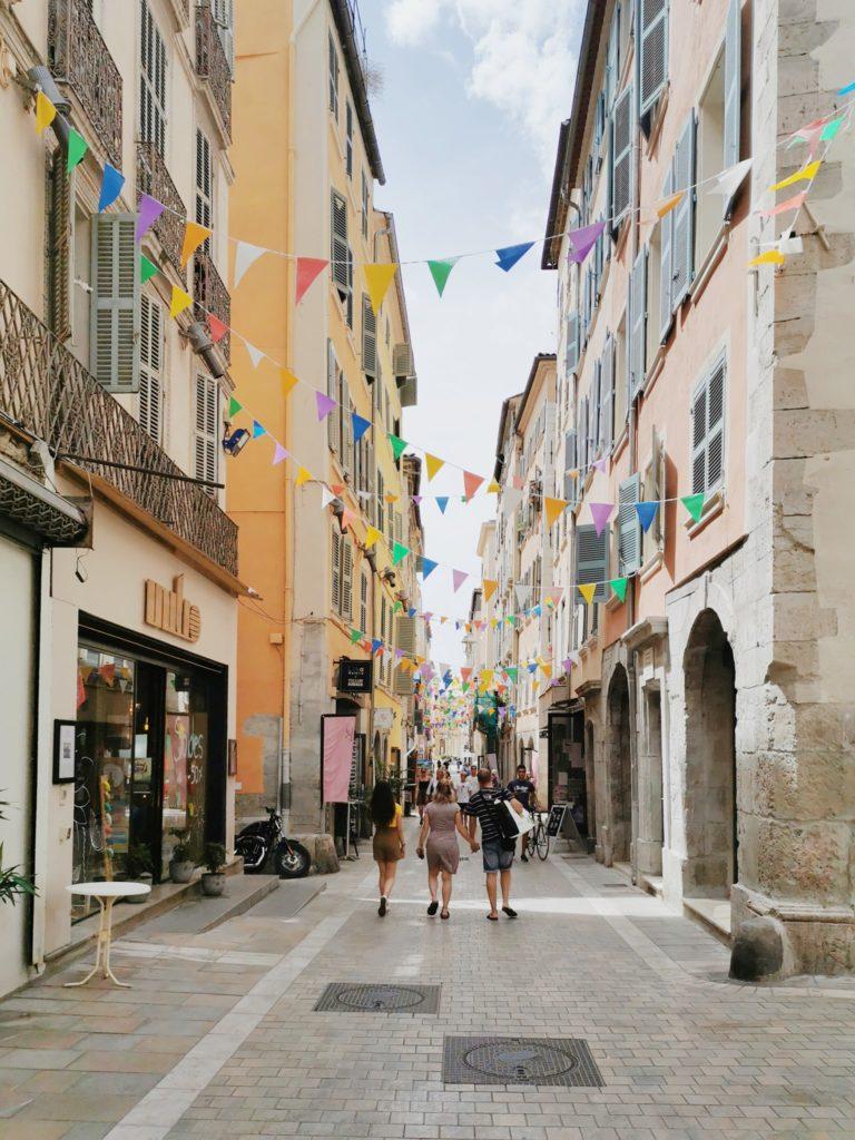 La rue des Arts en Toulon