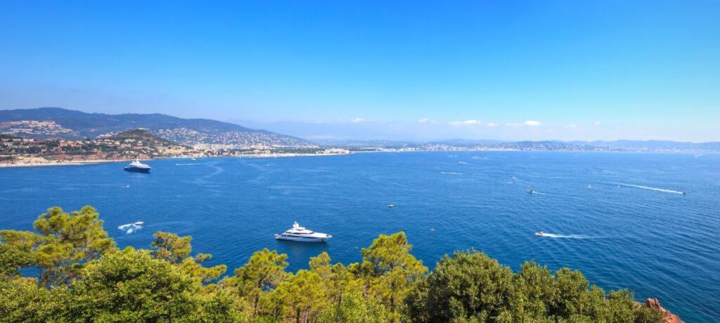 La bahía de Cannes (Riviera francesa)