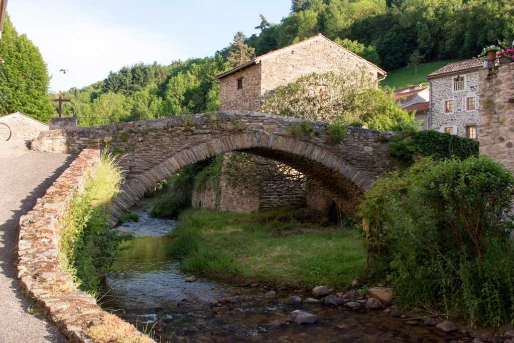 Pueblo de Blesle en Auvernia