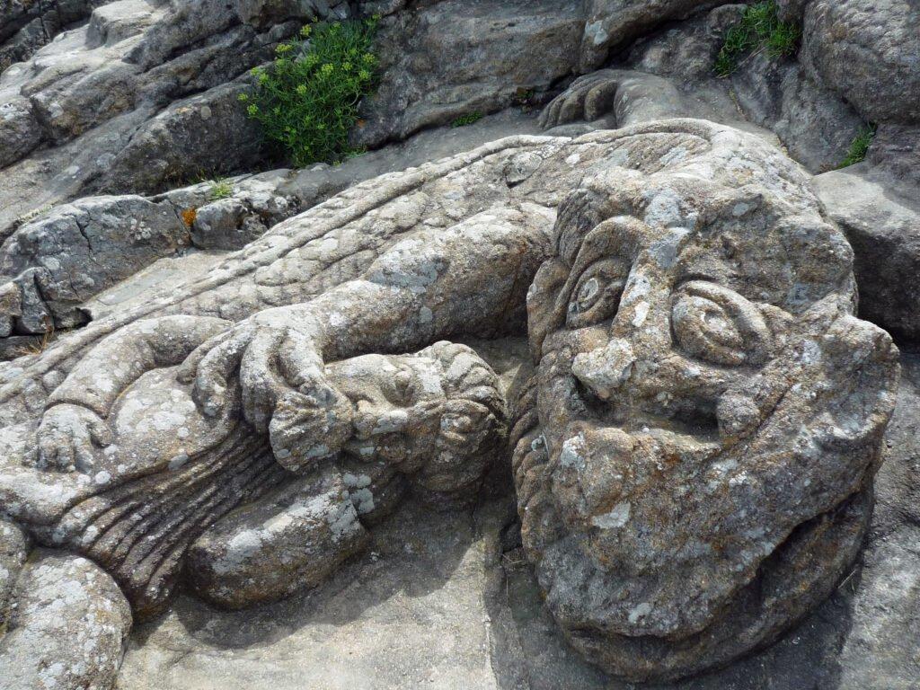 Rocas talladas por Rothéneuf