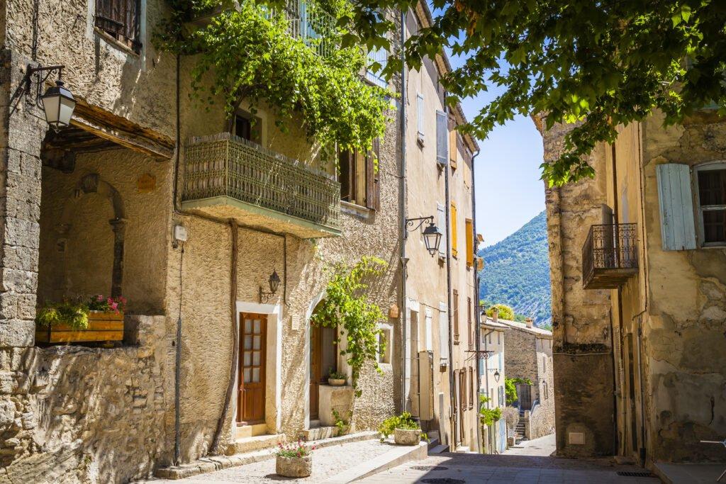 pueblo de Montbrun-les-Bains