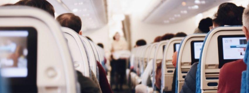 Pasajeros en el avión