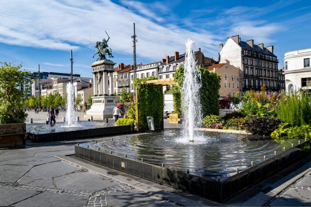 Place de Jaude para hacer en Clermont-Ferrand