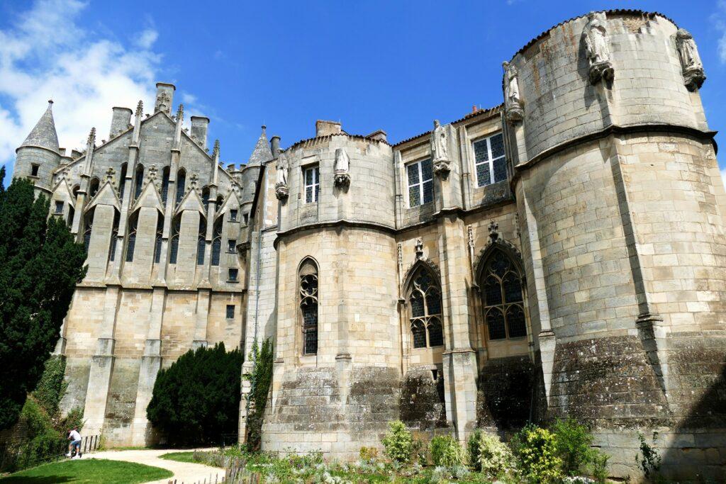 Palacio de los Duques de Aquitania para hacer en Poitiers