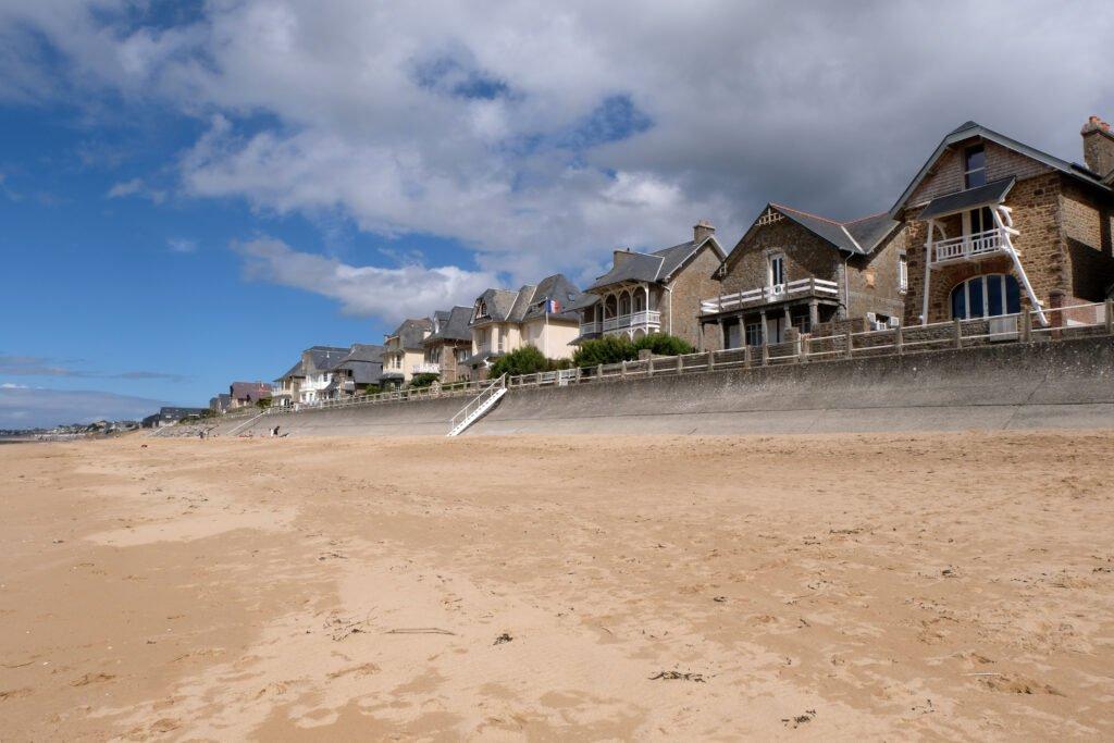 Playa Carolles en Normandía