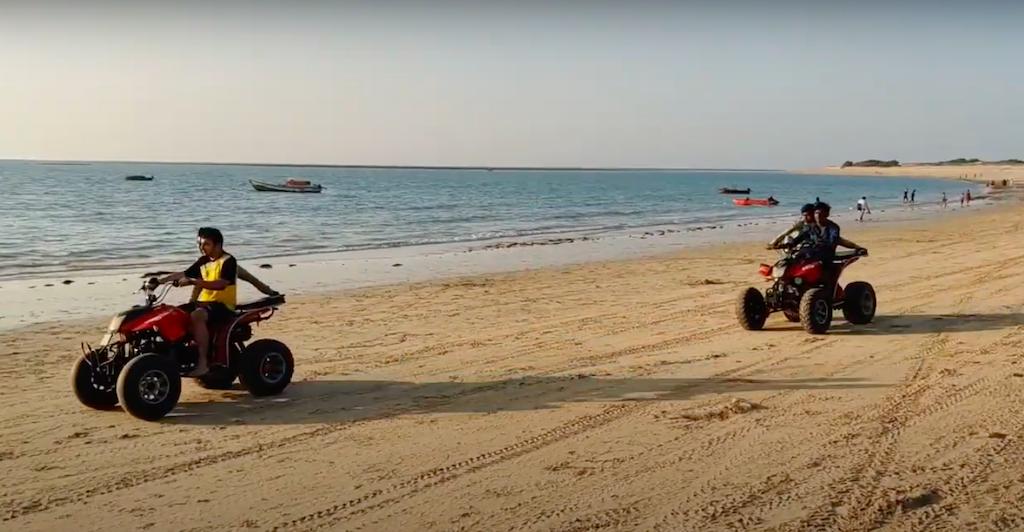 Actividades en la playa de Shivrajpur