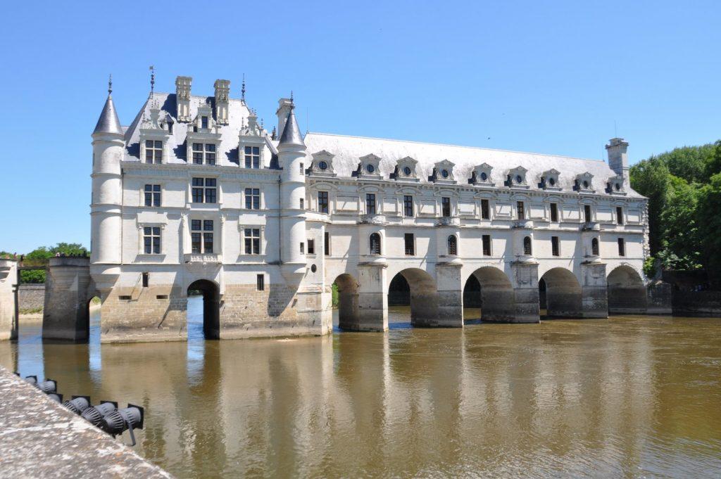 Castillo de Chenonceau en el río Cher