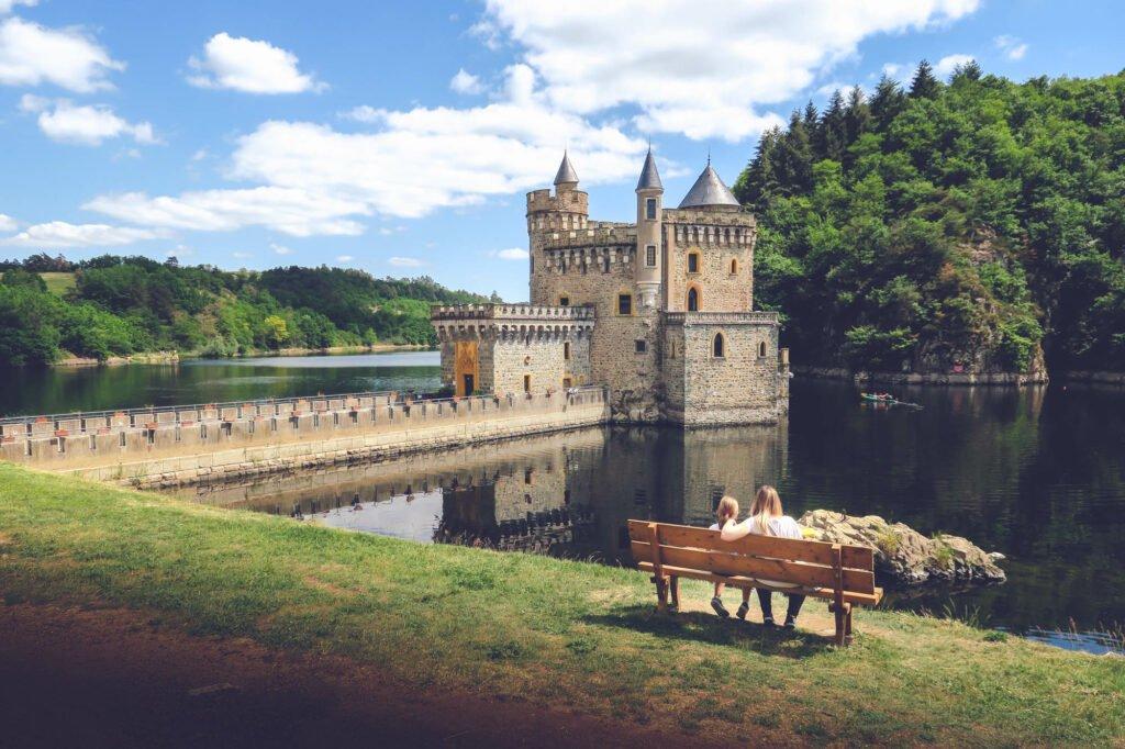 El castillo de la Roche sur la Loire (Roannais)