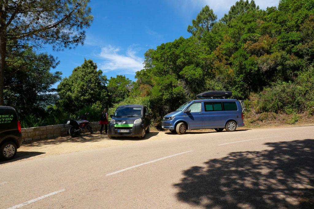 Punto de partida en el camino a las cascadas de Purcaraccia en Córcega.